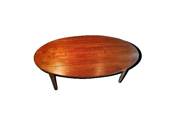 Table ovale en châtaigner
