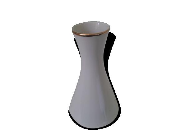 Ancien vase en porcelaine