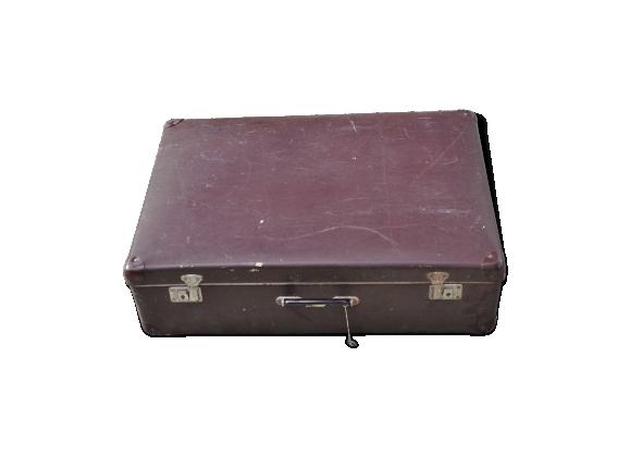 Valise vintage avec clefs
