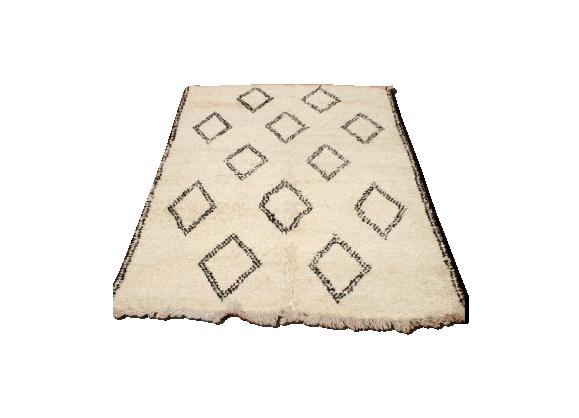 tapis beni ouarain berb re 160x210 cm tissu blanc bon tat classique. Black Bedroom Furniture Sets. Home Design Ideas