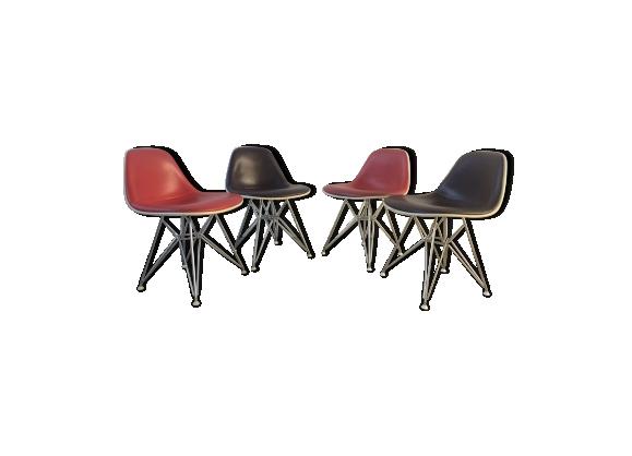 Suite de 4 chaises Eames DSR