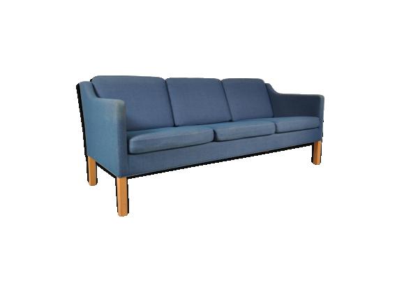 canap trois places en tissus bleu par b rge mogensen pour fredericia danemark tissu bleu. Black Bedroom Furniture Sets. Home Design Ideas