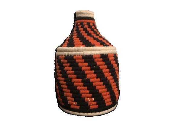 42d2fab3f1d Panier Berbère en raphia et laine rouge et noir