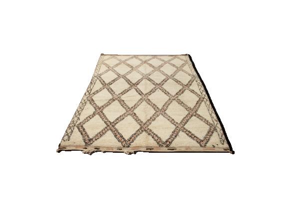 tapis beni ouarain vintage tissu blanc bon tat classique 5116486db1f230c2befc5e4ec097e0ad. Black Bedroom Furniture Sets. Home Design Ideas