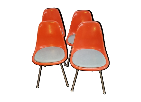 Lot de 4 chaises Charles & Ray Eames pour mobilier international herman miller
