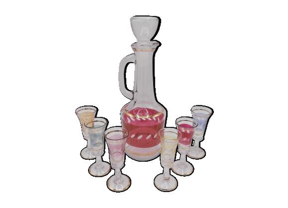 Service de carafe à liqueur et 6 verres à pied assortis