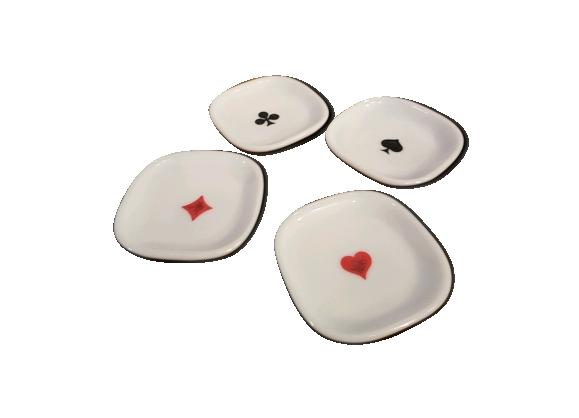 Ensemble de 4 soucoupes apéritif motif pic, coeur carreau trèfle