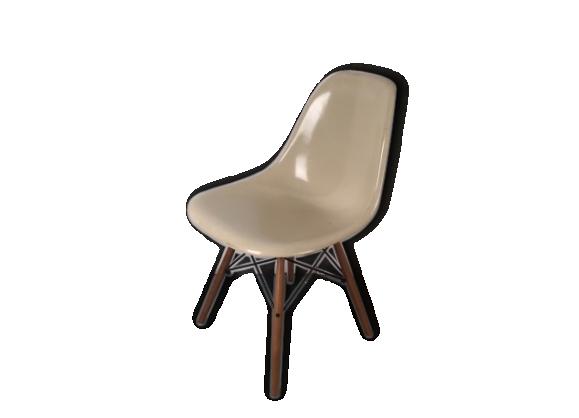 Chaise eames dsw herman miller fibre de verre beige bon tat design - Chaise eames dsw fibre de verre ...