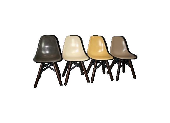 Lot de Chaises DSW en fibre de verre par Charles et Ray Eames pour Herman Miller