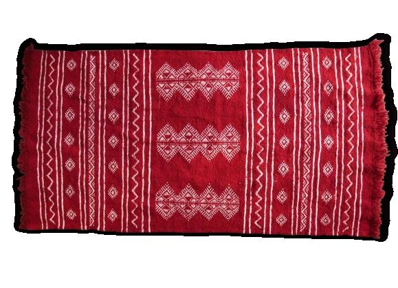 tapis rouge achat vente de tapis pas cher. Black Bedroom Furniture Sets. Home Design Ideas