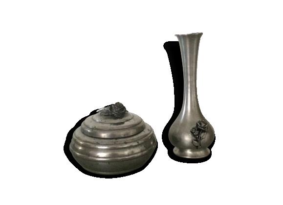 Boite bonbonnière et vase en étain