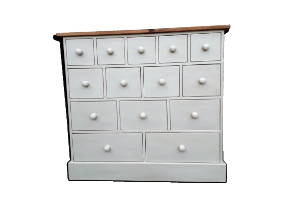 Convenient multiple drawers