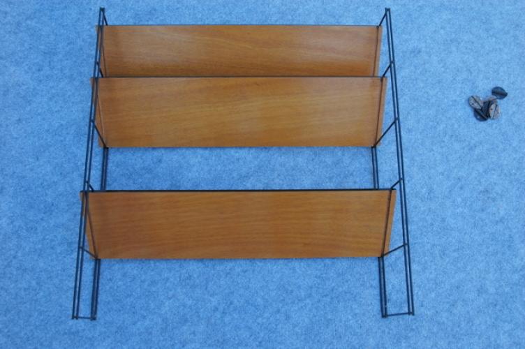 etag re bois et fer ann es 50 bois mat riau noir bon tat vintage. Black Bedroom Furniture Sets. Home Design Ideas