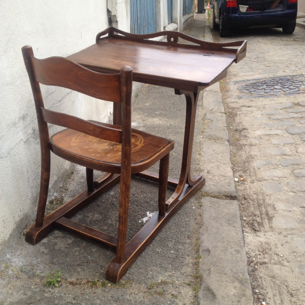Lot de bureau pupitre et chaise bauman 1950 bois for Meuble bureau 974