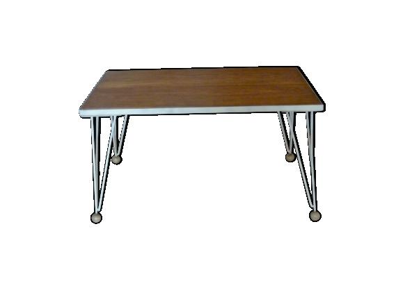 Table basse en bois massif et pieds eiffel en métal