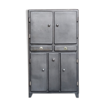 armoire vintage d 39 occasion. Black Bedroom Furniture Sets. Home Design Ideas