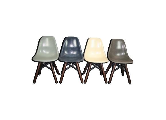 Lot de 4 chaises DSW Charles et Ray Eames pour Herman Miller