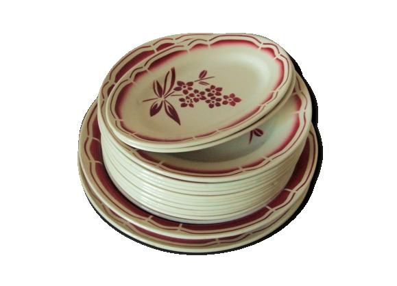 Service de vaisselle ancienne Badonviller en porcelaine opaque