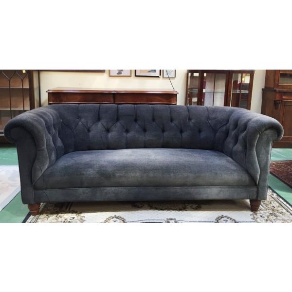 canap chesterfield des ann es 50 tissu gris bon tat vintage. Black Bedroom Furniture Sets. Home Design Ideas