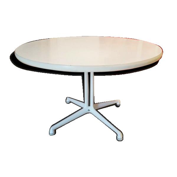table basse de charles eames pour herman miller mod le la. Black Bedroom Furniture Sets. Home Design Ideas