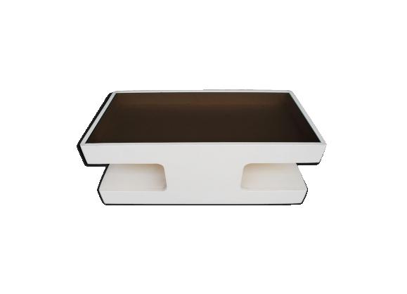 Table basse design en 1970 en bois laqué et vitre fumée