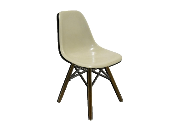 Chaise DSW de Charles et Ray Eames édition Herman Miller circa 60