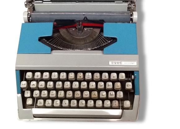 Machine a ecrire portatif
