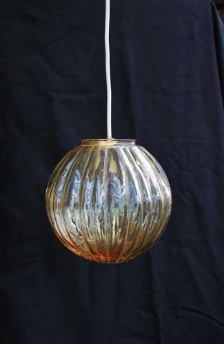suspension boule en verre verre et cristal beige bon. Black Bedroom Furniture Sets. Home Design Ideas