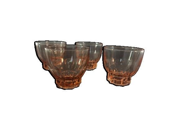 Ensemble de 4 petits verres roses années 70