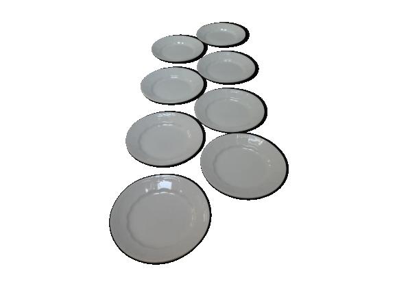 Lot de 8 assiettes blanches motif relief
