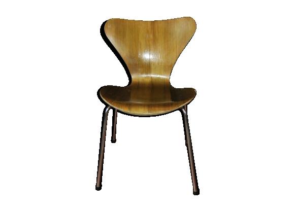 Chaise arne jacobsen for Evolution de la chaise
