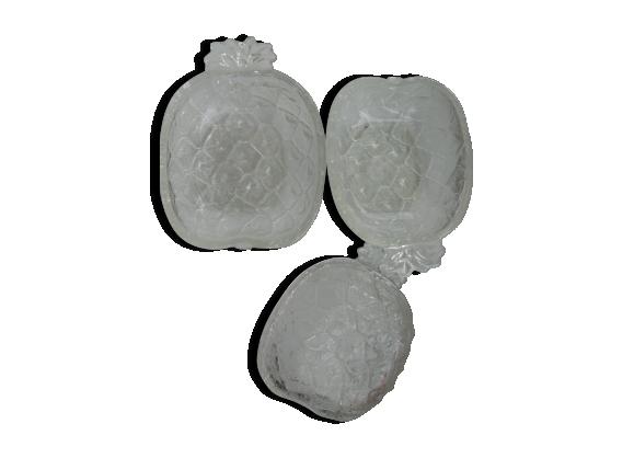 Série de trois coupelles en verre
