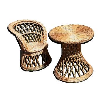 Ensemble fauteuil et table en rotin