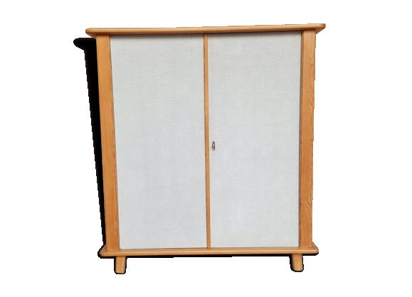 armoire penderie vintage en bois et tissus pieds compas bois mat riau bois couleur. Black Bedroom Furniture Sets. Home Design Ideas