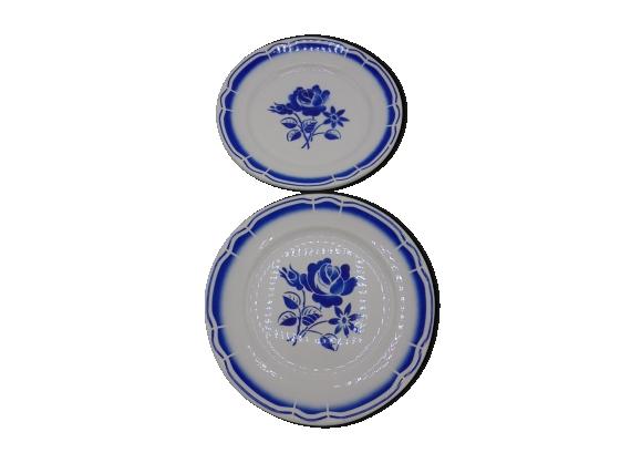 Paire d'assiettes 'Fleur bleue'
