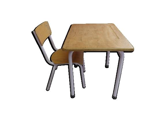Bureau avec sa chaise assorti
