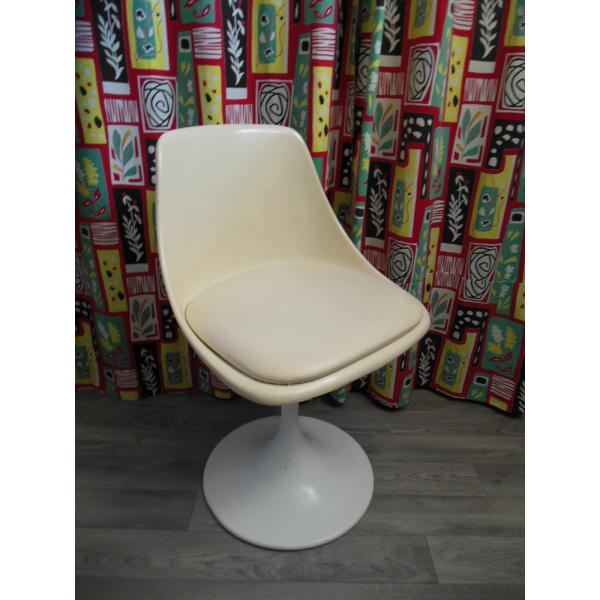 Chaise pied tulipe ann e 60 fonte blanc dans son jus vintage - Chaise tulipe a vendre ...