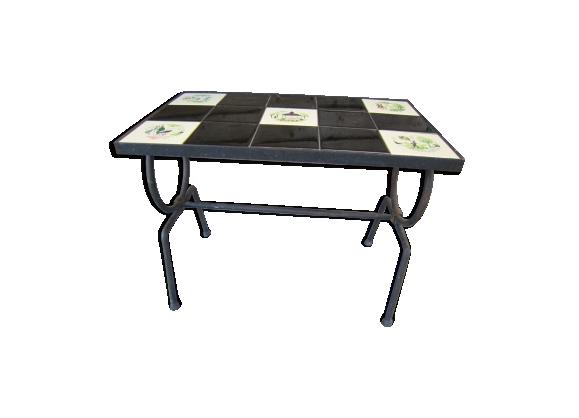 Table basse carrelée et fer forgé