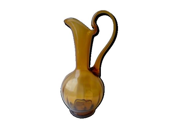 Carafe en verre soufflé ambré