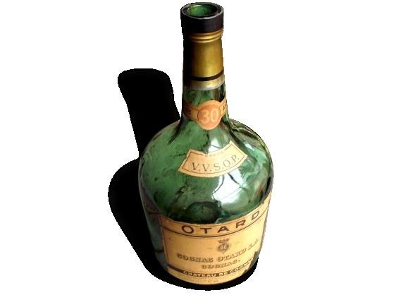 Très Grande Bouteille de Cognac en Verre Vert - Cognac Otard SA VVSOP - Plus de 30 ans d'âge - Socle Lampe - Années 1950