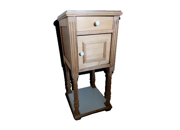 table de chevet en bois et marbre ann es 1900 peine revisit e bois mat riau gris bon. Black Bedroom Furniture Sets. Home Design Ideas