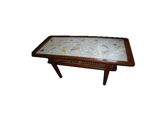 Table basse en teck carrelée porte revues cannage des années 60 style scandinave