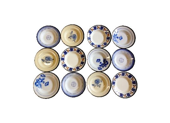 12 assiettes dépareillées faience ancienne