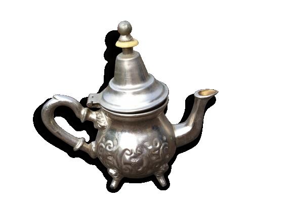 Petite théière en métal argenté