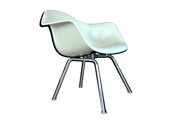 Fauteuil de Charles & ray Eames par herman miller