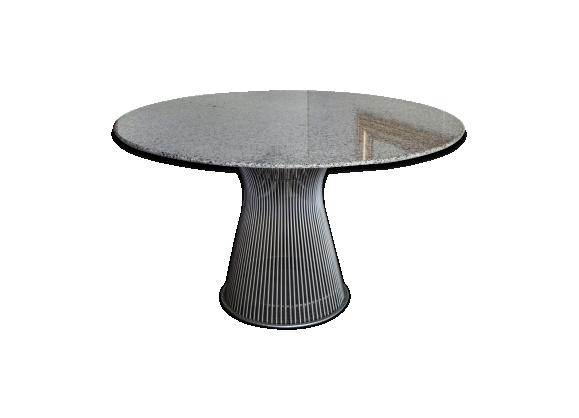 Table de Warren Platner par Knoll en granit, 130cm