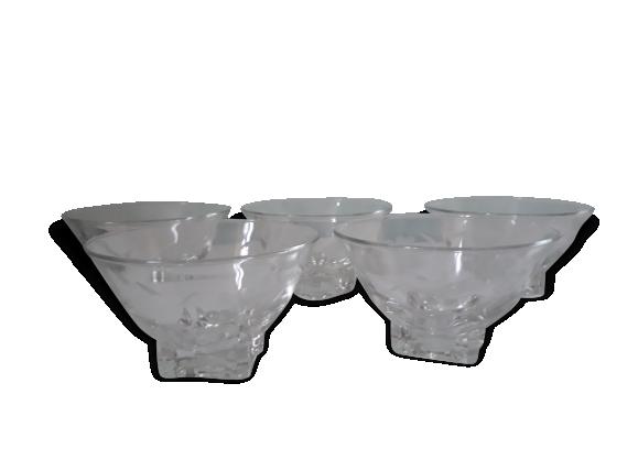 Série de 5 verres/ coupelles gravées