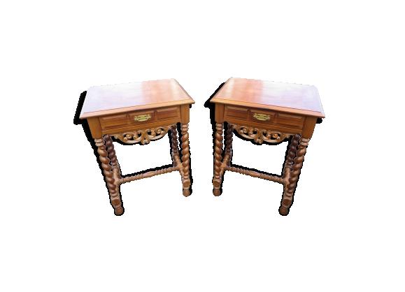 paire de tables de chevets de style louis xiii bois mat riau marron bon tat classique. Black Bedroom Furniture Sets. Home Design Ideas
