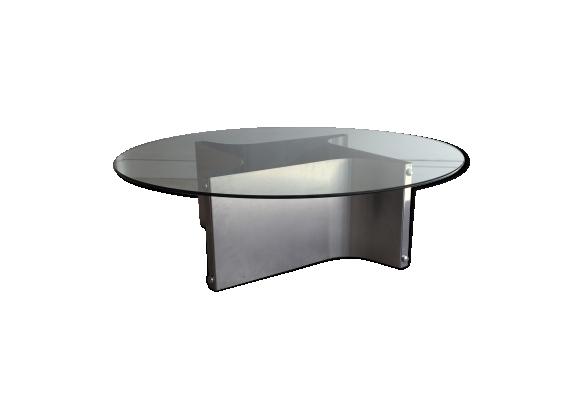 Table basse en métal et verre