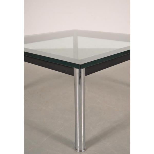 table basse en m tal et en verre par le corbusier pour cassina italie 1980s verre et cristal. Black Bedroom Furniture Sets. Home Design Ideas